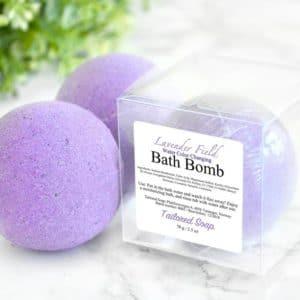 Lilla badebombe med lavendel duft