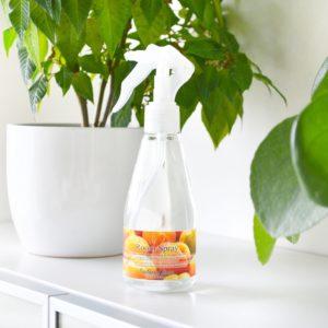Rosa romspray med duft av aprikos og fresia