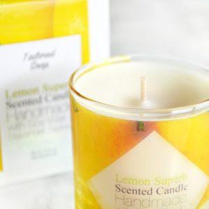 Gult duftlys med duft av sitron
