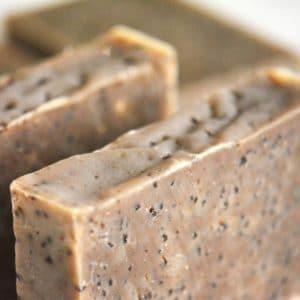 Naturlig såpe laget med kaffe med mild kaffeduft