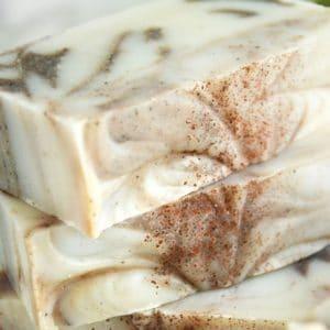 Naturlig såpe med duft av kanel