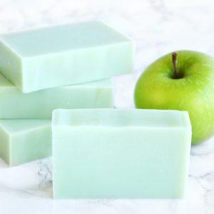 Grønn kaldprosess såpe med duft av grønt eple