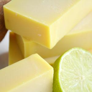 Gul kaldprosess såpe med duft av kokosnøtt og lime