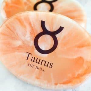 Oransje stjernetegnsåpe for Tyren