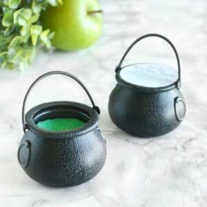 Grønn heksegryte badebombe med epleduft