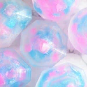 Fødselssteininspirert såpe for oktober designet som opal