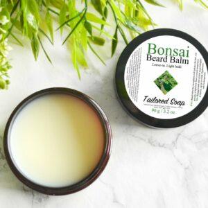Skjeggpomade med duft av bonsaitre